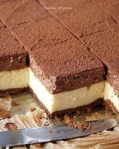 Waniliowy sernik z musem czekoladowym - Justyna Dragan Polish Desserts, Polish Recipes, Cookie Desserts, No Bake Desserts, Delicious Desserts, Dessert Recipes, Yummy Food, Different Cakes, How Sweet Eats
