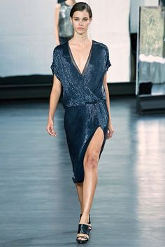 See all the Collection photos from Jason Wu Spring/Summer 2015 Ready-To-Wear now on British Vogue New York Fashion, Runway Fashion, Spring Fashion, Fashion Show, Fashion 2015, Fashion Weeks, Jason Wu, Pauline Hoarau, Spring Summer 2015