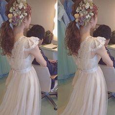 花嫁様はただただ美しい✨ . #ヘッドドレス#ヘッドアクセ#花冠#アクセサリー#お花#結婚式#プレ花嫁#花嫁#ヘアアレンジ#前撮り#撮影#鹿児島#ウエディングニュース#flory#handmade#accessories#flowers #happy #wedding #fun#hairstyle #hello#bridal#mery#headdress#orde