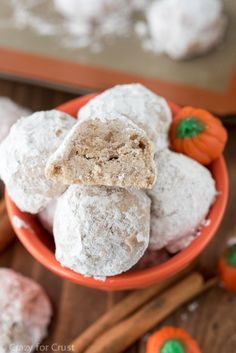 These Pumpkin Spice Snowballs are the perfect cookie for fall and holiday baking! Add warm pumpkin spice to Russian Teacakes for a new flavor snowball! ~ Crazy for Crust Butter Ball Cookies Recipe, Simple Cookie Dough Recipe, Yummy Cookies, Fall Cookie Recipes, Pumpkin Recipes, Dessert Recipes, Fall Desserts, Pumpkin Dishes, Bar Recipes