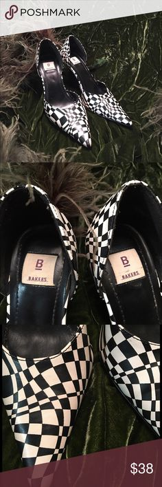 """Bakers Black/White Optical  Illusion Heels sz. 6.5 Baker brand shoes in black & white optical illusions design. Distinctive, modern, and stylish. The size 6.5B low heels measure 31/2"""". Bakers Shoes Heels"""
