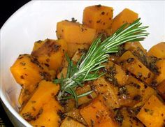 Squash With Apple Cider And Herb Glaze - Stove Top Recipe - Thanksgiving. Stove Top Recipes, Side Dish Recipes, Side Dishes, Roasted Squash, Butternut Squash, Clean Recipes, Clean Foods, Thanksgiving Recipes, Thanksgiving Sides