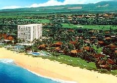 The Royal Lahaina Resort's beach is one of the best in the Ka'anapali area. It's more than 1/2 mile of golden tinged sand that embraces the true Hawaiian atmosphere of the Royal Lahaina Resort.