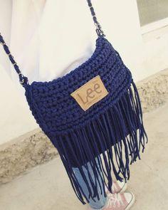 """kkucheriavaia А я не """"сапожник без сапог"""" )) связала сумку и себе протестировала и привязалась) очень удобная практичная особенная!  описываю как пользователь))) Заказать можно в директ или мессенджеры номер в профиле можем обсудить другие цвета #свяжуназаказ #свяжусумку #knitting #knittinglove #knitted #handmade #uzbekistan #tashkent #instacrochet #crochet #vsco  #ручнаяработа #bag #кэжуал #kkucheriavaia #чирчик"""