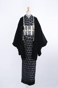 DOUBLE MAISON Kimono Japan, Yukata Kimono, Kimono Fabric, Kimono Dress, Traditional Japanese Kimono, Traditional Dresses, Modern Kimono, Kimono Design, Japanese Costume