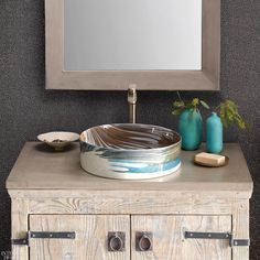 15 Product Highlights from KBIS 2020 Stunning! Traditional Doors, Traditional House, Baths Interior, Glass Vessel Sinks, Kitchen And Bath Design, Bathroom Trends, Hippie Home Decor, Interior Design Magazine, Glass Boxes