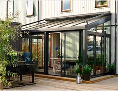 Willab Garden aluminium glazed sunroom. Outdoor living spaces.