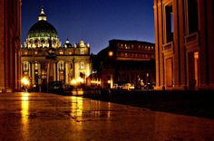 Panoramic Rome by Night tour with Dinner and Folk Music See the Eternal City at its most beguiling on this 4-hour night tour. Begin your luxury tour of Rome with an Italian dinner and folk music performance, then hop aboard a luxury motor coach to see the St. Peter's Square, Piazza Venezia, The Colosseum, the Jewish quarter, the Tiberine island and many more sites lit up at night.The evening begins with an Italian dinner (drinks included) offered in a typical restaurant and ac...