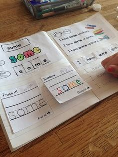 Sight Words Interactive Notebook: Dolch First Grade List