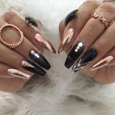 and nails create a beautiful design! Design by … and nails create a beautiful design! Black Nail Designs, Beautiful Nail Designs, Nail Art Designs, Glam Nails, Matte Nails, Beauty Nails, Ongles Bling Bling, Bling Nails, Fabulous Nails