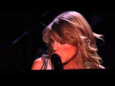 ▶ Taylor Swift - All Too Well - 2014 Grammy Awards - FLAWLESS