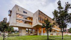 https://www.facebook.com/leonardoalvarezarquitectos/ Edificio Facultad de Enfermería. Universidad Nacional de Colombia, Bogotá Leonardo Álvarez Yepes Arquitectos.