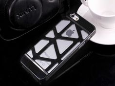 iPhone 5S Modern Charm Case