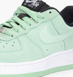 official photos 8a874 36de4 caliroots.com Wmns Air Force 1 ´07 Nike 818594-300 209423