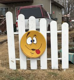 An old satellite dish and some paint. Satellite Dish, Outdoor Crafts, Savings Plan, Old Tv, Crafts To Make, Google Images, Repurposed, Recycling, Clock