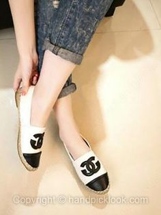 White Leatherette Flat Heel Closed Toe Shoes -$15.29