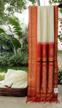 Beautiful silk sari in oranges. Saree Blouse, Sari, Kota Sarees, White Saree, Soft Silk Sarees, Indian Fashion, Women's Fashion, Red Carrot, Saree Collection