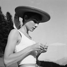 File:Audrey Hepburn auf dem Bürgenstock (07).jpg