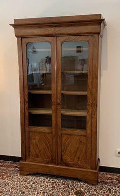 Antikes Louis Philippe Wandregal bei Pamono kaufen China Cabinet, Storage, Furniture, Home Decor, Restoration, Wooden Crates, Purse Storage, Crockery Cabinet, Decoration Home