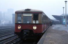 S-Bahn Berlin - BR-277 an einen Bahnhof in Ostberlin um die 1970er Jahre. - Quelle: Google