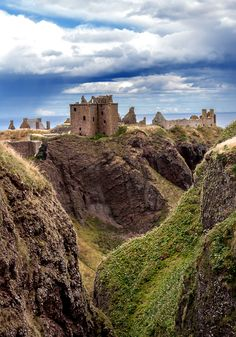 Dunnottar Castle | Scotland (by Ian Kenn)