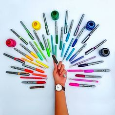 """It's time to color.  My favorite watch .  Utiliza el código de descuento """"Letizilla"""" y obtén un 15% en todos los productos en pagina http://ift.tt/RvnR40. Apresúrate! tienes hasta el 15 de Noviembre para utilizarlo. .  #DWinchiapas #danielwellington #vsco #vscocam #vscogood #vscocolor #primerolacomunidad #hallazgosemanal #communityfirst by letizilla"""