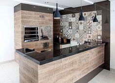 10 Churrasqueiras revestidas com madeira ou porcelanato madeira! - Jeito de Casa - Blog de Decoração
