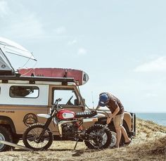 Land Rover (Series & Defenders) and more stuff I like. Running On The Beach, Surf Trip, Porsche, Ex Machina, Toyota Tacoma, Land Rover Defender, Scrambler, Van Life, Cars And Motorcycles