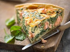 Spinach-Salmon Quiche: The Best Recipe - Recipes- Discover our quick and easy recipe for Spinach-Salmon Quiche: The best recipe on Current Cuisine! Find the preparation steps, tips and advice for a successful dish.