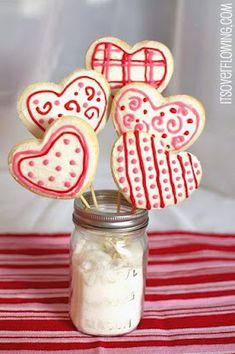 Valentine's Day Cookie Bouquet {and Recipe} #Valentine's #cookies