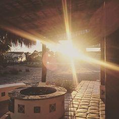La última puesta de sol del año ✨ Quiero aprovechar para mandarles mis mejores deseos para este 2017, que el nuevo año sea de mucha dicha, salud, amor y crecimiento para ustedes y los suyos! Y ahora, a disfrutar de esta noche tan especial!!! P.D. Los quiero mucho! Gracias por estar del otro lado!!!! 💕 The last sunset of the year ✨ Stopping by to wish you the very best for this 2017!! May you enjoy health, love, joy, and growth!! And now, off to a yummy dinner!!!! P.S. I love you!! 💕…