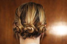 #beautiful #hairbun #Hair #Hairstyle #Frisur #Haare  #Style #eindrehen #Schnecken #T4F #TwoforFashion