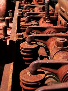 Old Machine (Melissa Mesen)