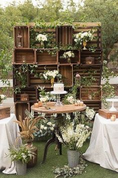 diy wedding decorations on a budget. from 'gold branch centerpieces' to 'tissue pom poms' check out these super chic diy wedding decorations that will save you a tonne of c. Wooden Crates Wedding, Deco Champetre, Photos Booth, Chic Wedding, Wedding Ideas, Trendy Wedding, Wedding Vintage, Wedding Blog, Wedding Rustic