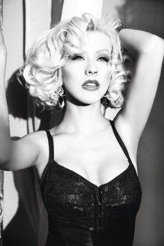 Top 40 Most Beautiful Hair Looks of Christina Aguilera – Celebrities Woman Blonde Hair Looks, Blonde Curls, Beautiful Christina, Most Beautiful, Beautiful Women, Divas, Portraits, Mode Vintage, Female Singers