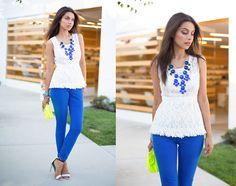colored pants + white shirt