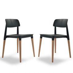 Une chaises au design intemporel d'inspiration scandinave. Sobriété des lignes et utilisation du bois massif en harmonie avec l'assise en résine blanche ou noir : une valeure sûre pour une décoration élégante et contemporaine.