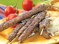 Bulharská kuchyně: tarator, ajvar, džuveč, kefty, baklava a další recepty Vietnam, Sausage, Grilling, Indie, Treats, Sweet Like Candy, Goodies, Sausages, Crickets