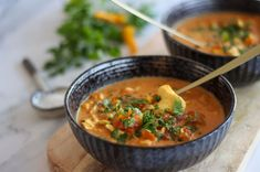 Karrysuppe med kylling og tomat Thai Red Curry, Ethnic Recipes, Spinach