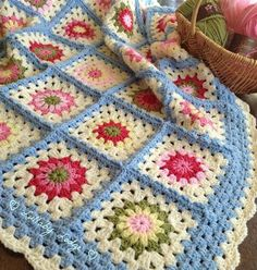 Crochet Granny Square Ideas Lullaby Lodge: My Cath Kidston Inspired, Vintage Granny Flower Bl. Read how I made my Vintage Granny Flower Blanket. Granny Square Crochet Pattern, Crochet Flower Patterns, Crochet Squares, Crochet Afghans, Crochet Blanket Patterns, Free Crochet, Crochet Granny, Crochet Blankets, Granny Squares