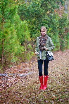 Adorable fall outfit with red Hunter boots | Little Blonde Book