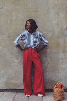 These are the best summer outfit snaps tagged with the Who What Wear UK hashtag Are you featured? Red Trousers Outfit, Trouser Outfits, Red Pants, Estilo Blogger, Blogger Style, Girl Fashion, Fashion Looks, Fashion Tips, Fashion Design