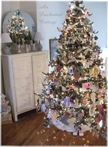 cottage style christmas | Found on images.search.yahoo.com