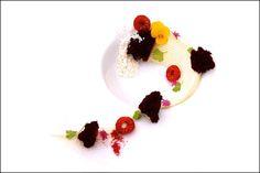 Pâtissier Angel Ramirez Betancourt -  L'art de dresser et présenter une assiette comme un chef de la gastronomie...  > http://visionsgourmandes.com  Offrez-vous mon prochain livre, déjà disponible en pré-achat...  > http://visionsgourmandes.com/?page_id=7611  .  Partagez cette photo...  ...et adhérez à notre page Facebook...  > http://www.facebook.com/VisionsGourmandes  .  #gastronomie #gastronomy #chef #cook #presentation #presenter #decorer #plating #recette #food #dressage #assiette