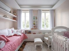 Decoração de: Quarto de bebê; colcha de solteiro rosa; Casa de Valentina