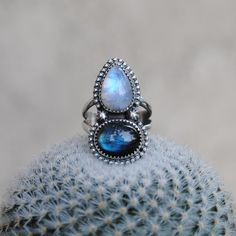 Moonstone & Labradorite (size 7) Available in TONIGHT'S shop update at 6PM…