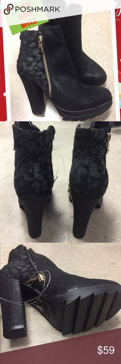 "✅$ 25 SALE TODAY ✅NEW BLACK HEELED BOOTS SIZE 6.5 ✅SALE✅NEW BLACK HEELED BOOTS SIZE 7 - HEEL HEIGHT APPROX. 4"" WITH ZIPPER ON SIDE🌹MAKE OFFER🌹BUNDLE AND SAVE🌹GREAT GIFT🌹SORRY NO TRADES🌹 Db Dk Fashions Shoes Heeled Boots"