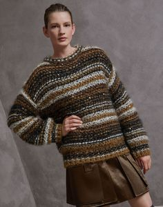 Maglia Girocollo Beige Donna 1 – Brunello Cucinelli See other ideas and pictures from the category menu…. Sweater Knitting Patterns, Knitting Designs, Brunello Cucinelli, Beige Sweater, Knit Fashion, Cardigans For Women, Pulls, Autumn Winter Fashion, Knitwear