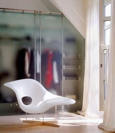 urbnite — Eames la Chaise