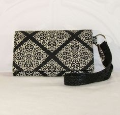 NEW STYLE TECH iPhone 5 Wallet Galaxy S4 Wallet Cell Phone Wristlet by Cucio